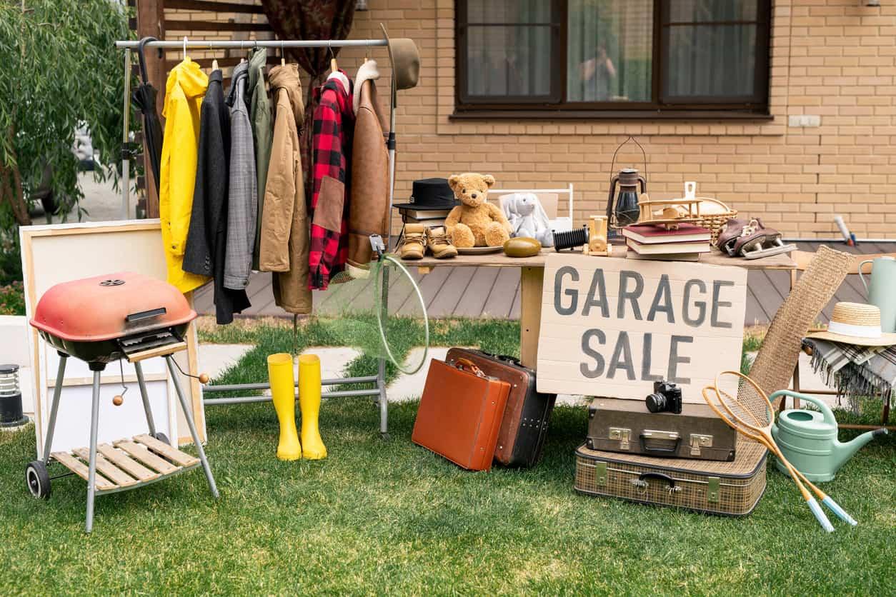 Nobody at garage sale